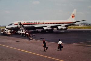 名古屋空港にてDC-8-53