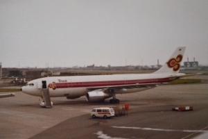 タイ国際航空 A300B4