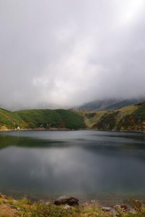 霧がかかり始めたみくりが池