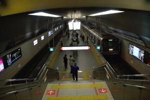 地下鉄御堂筋線淀屋橋駅