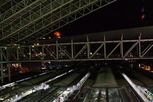 大阪駅の夜